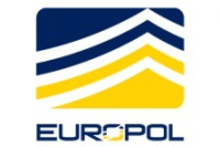 European law enforcement authorities arrest 106 members of a criminal network linked to the Italian Mafia